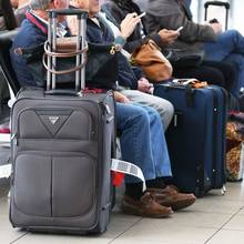 Jak dobrze spakować kosmetyki w bagażu podręcznym?