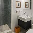 Jak powiększyć optycznie małą łazienkę?