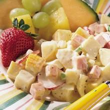 Ciekawa sałatka z tuńczykiem i ziemniakami