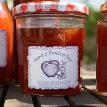 Jak zrobić pachnący dżem z róży i jabłek?