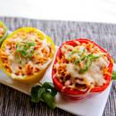 Ciekawe danie na obiad  – papryka z kozim serem i bazylią