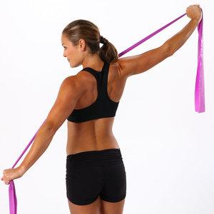 Proste ćwiczenia na szczupłe ramiona