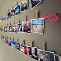 Jak udekorować ścianę zdjęciami, nie używając ramek?