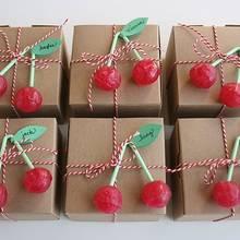 Jak zrobić wiśnie z bibuły na cukierki?