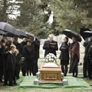 Jak się ubrać na pogrzeb – podstawowe zasady