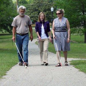 Jak rozmawiać z osobą niewidomą?