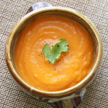 Jesienna zupa marchewkowa z imbirem