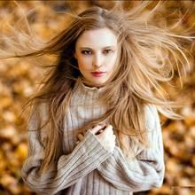 Jak zadbać o włosy, gdy nadejdzie jesień?