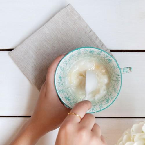 Jak samodzielnie zrobić odżywkę kokosową do włosów?