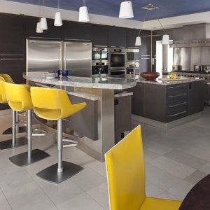 Czy kuchnia w jaskrawych kolorach jest już niemodna?