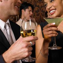 Jak skutecznie poderwać faceta na imprezie?