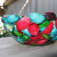 Jak wykonać dekoracyjną miseczkę z łupinek po orzeszkach pistacjowych?