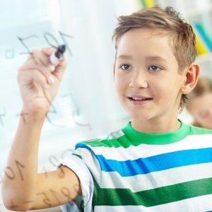 Jak pomóc dziecku zapamiętać tabliczkę mnożenia?