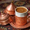 Jak dobrze parzyć kawę po turecku?