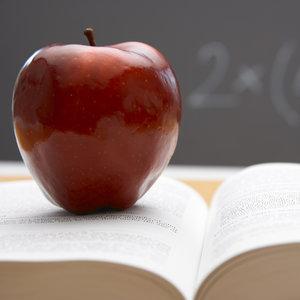 Oryginalny prezent na Dzień Nauczyciela – jabłko