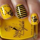 Jak ozdobić paznokcie wzorem pszczółki?