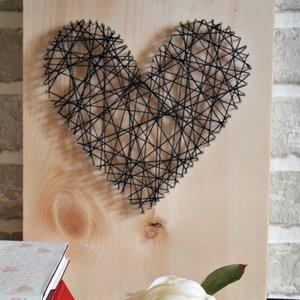 Fantazyjny obraz – serce z nitki