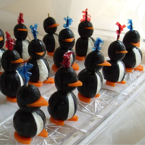 Jak zrobić zabawnego pingwina z oliwek?