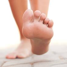 Co może oznaczać ból w stopie?