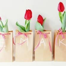 Jak zrobić kartkę urodzinową w kształcie tulipana?