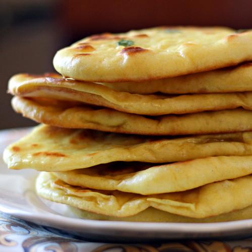 Placek naan – ciekawy dodatek do potraw