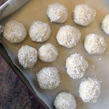 Kulki kokosowe na karnawałową imprezę