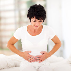 Co może być przyczyną bólu w dole brzucha?