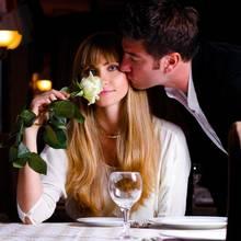 Kto powinien zapłacić rachunek na randce?