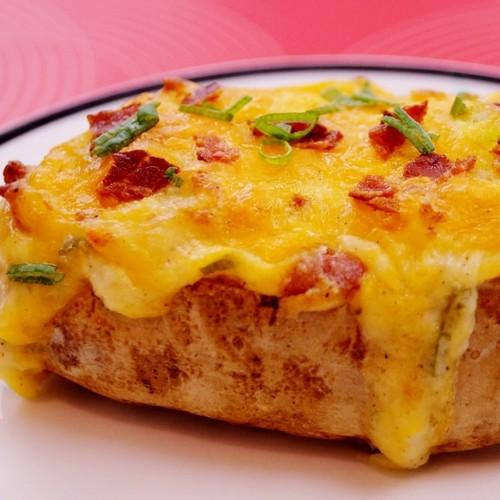 Jak przygotować ziemniaki zapiekane z serem?
