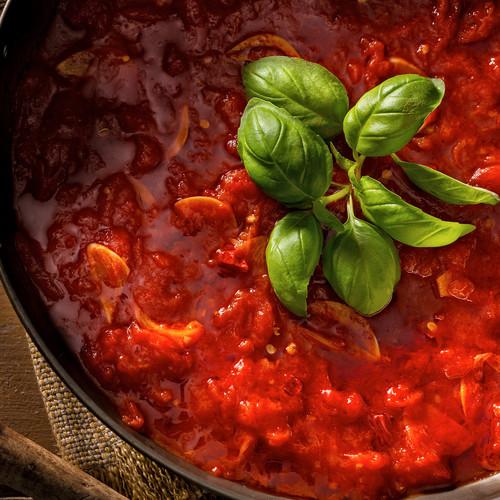 Jak przygotować sos marinara?