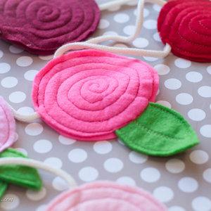 Jak zrobić ładne kwiaty z filcu?