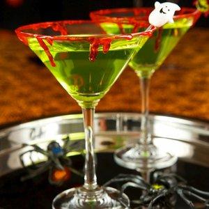 Jak zrobić koktajle z duchami na Halloween?