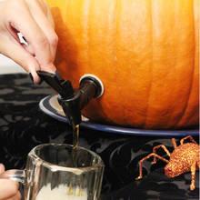 Jak zrobić ciekawą beczkę na halloweenowe napoje?