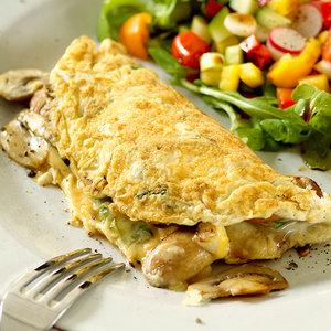 Jak zrobić pyszny omlet z pieczarkami i cebulą?