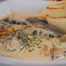 Jak przygotować sos do ryby z winem i kaparami?