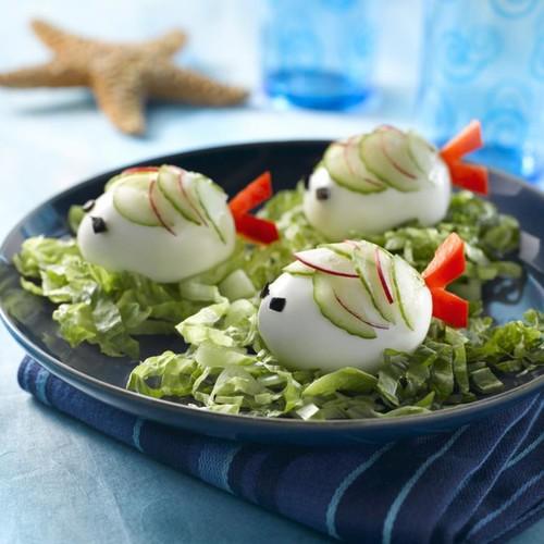 Smaczne rybki z jajka na twardo – jak je przygotować?