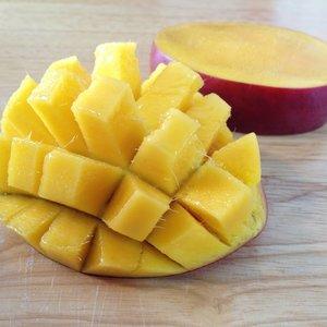 Pierwsze cięcie mango