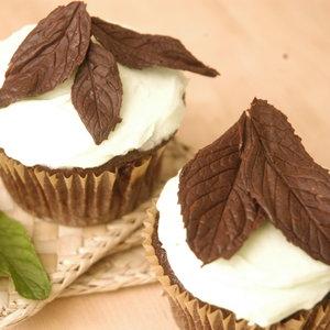 Jak wykonać ładne listki czekoladowe?