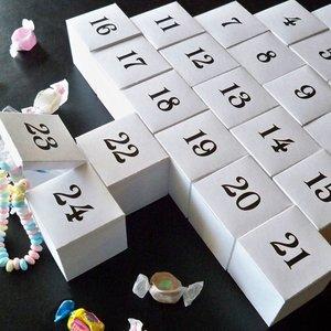 Kalendarz adwentowy – Mikołaj nr 2
