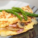 Jak przyrządzić oryginalny omlet z szynką i szparagami?