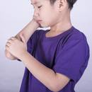 Jakie są symptomy młodzieńczego reumatoidalnego zapalenia stawów?