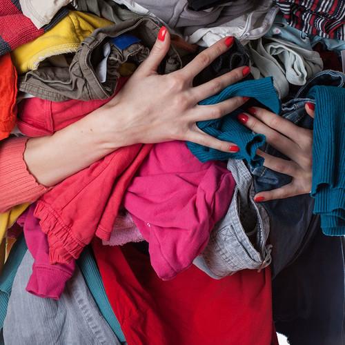 Proste sosoby na przedłużenie trwałości ubrań