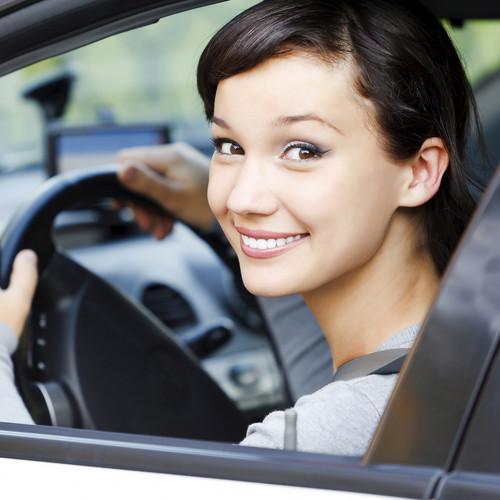 Jak poprawnie siedzieć za kierownicą samochodu?