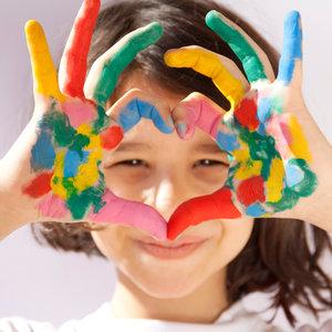 Jak przygotować farbę do malowania palcami dla dziecka?