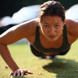 Jakie ćwiczenia na jędrny biust?