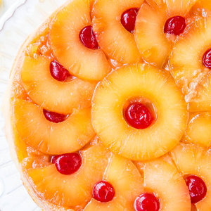 Jak upiec smaczne ciasto ananasowe?