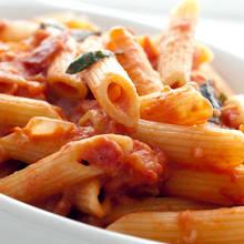 Jak przygotować oryginalne spaghetti z wódką?