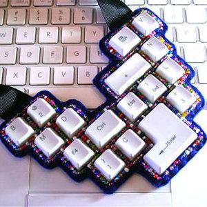 Naszyjnik z klawiszy