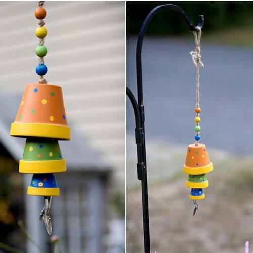 Jak zrobić ładne dzwonki wietrzne z doniczek?