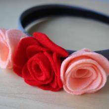 Opaska z filcowym kwiatem – jak ją zrobić?
